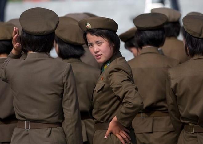 Binh sĩ Triều Tiên dưới góc nhìn của nhiếp ảnh gia Pháp - ảnh 1