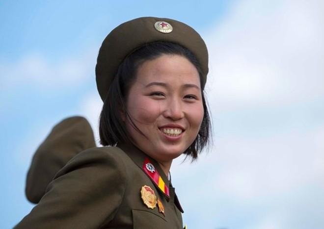 Binh sĩ Triều Tiên dưới góc nhìn của nhiếp ảnh gia Pháp - ảnh 5