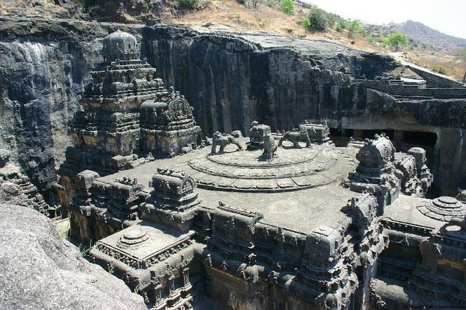 Bí ẩn ngôi đền cổ 1.200 tuổi được tạc từ một khối đá duy nhất - ảnh 1