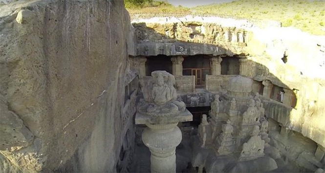 Bí ẩn ngôi đền cổ 1.200 tuổi được tạc từ một khối đá duy nhất - ảnh 3