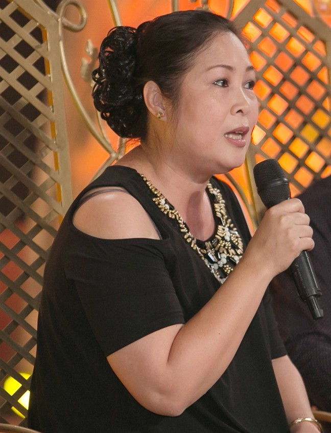 NSND Hồng Vân: 'Tôi từng bị chửi, bị kỳ thị vì đi diễn tấu hài' - ảnh 3