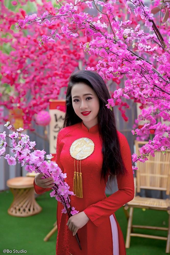Thí sinh chung kết Hoa khôi Nam Bộ tự tin khoe dáng  - ảnh 1
