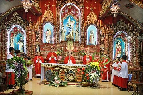 Vẻ đẹp nhà thờ 130 tuổi ở Nam Định trước khi bị cháy rụi - ảnh 2
