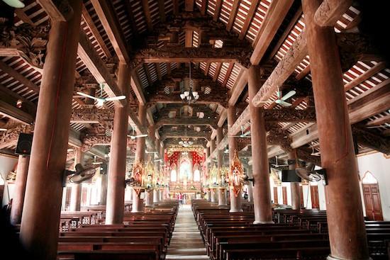 Vẻ đẹp nhà thờ 130 tuổi ở Nam Định trước khi bị cháy rụi - ảnh 3