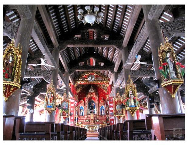 Vẻ đẹp nhà thờ 130 tuổi ở Nam Định trước khi bị cháy rụi - ảnh 5