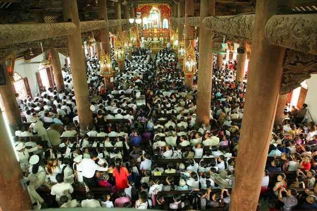 Vẻ đẹp nhà thờ 130 tuổi ở Nam Định trước khi bị cháy rụi - ảnh 6