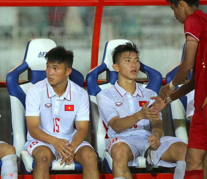 HLV Hoàng Anh Tuấn lặng người khi U18 Việt Nam bị loại - ảnh 2