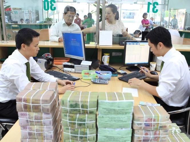 """""""Ông lớn"""" ngân hàng xin """"nới quota"""" tín dụng?  - ảnh 1"""