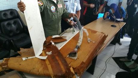 QZ8501 đáp an toàn trên biển nhưng bị bão nhấn chìm?
