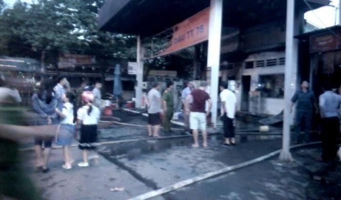 Cháy, nổ lớn tại cây xăng ở Sài Gòn - ảnh 2