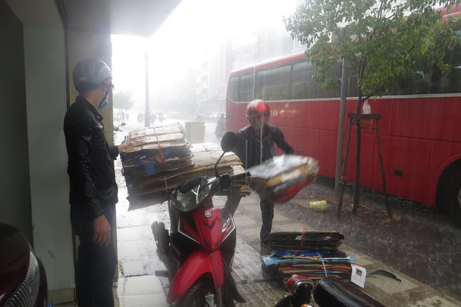 Giữa mùa khô, Sài Gòn liên tiếp có mưa lớn - ảnh 1