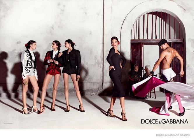 'Hơi thở' Tây Ban Nha tràn ngập BST Dolce & Gabbana xuân hè 2015 - ảnh 7