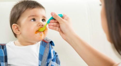 Hạn chế cho con ăn bé vẫn béo phì - ảnh 1