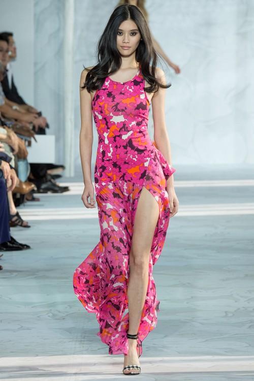 Họa tiết hoa rực rỡ trong xu hướng thời trang 2015 - ảnh 12