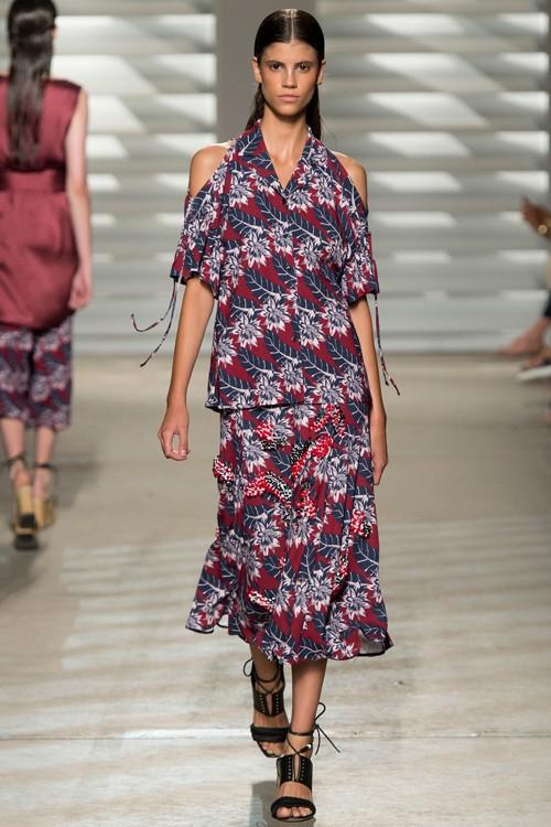 Họa tiết hoa rực rỡ trong xu hướng thời trang 2015 - ảnh 4