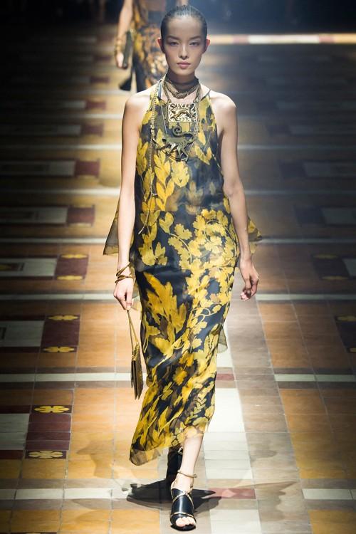 Họa tiết hoa rực rỡ trong xu hướng thời trang 2015 - ảnh 8