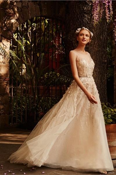 Váy cưới ren 'siêu' lãng mạn cho cô dâu  - ảnh 4