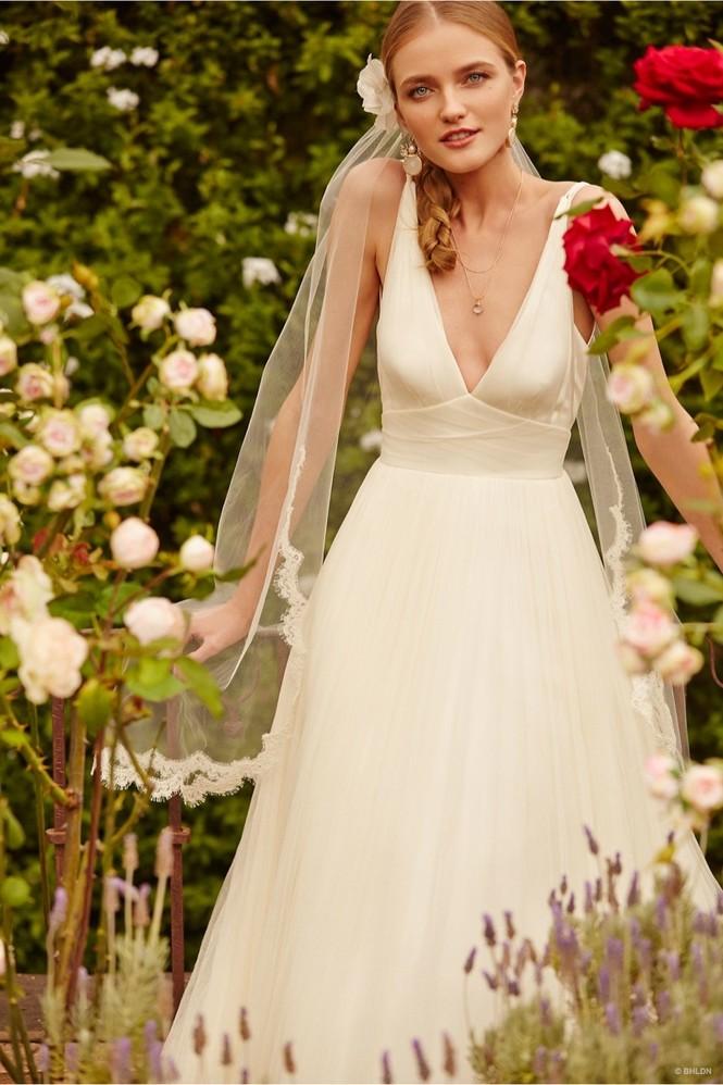 Váy cưới ren 'siêu' lãng mạn cho cô dâu  - ảnh 5