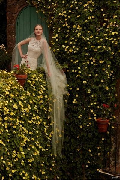 Váy cưới ren 'siêu' lãng mạn cho cô dâu  - ảnh 1