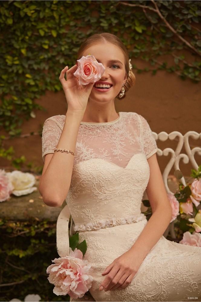 Váy cưới ren 'siêu' lãng mạn cho cô dâu  - ảnh 16