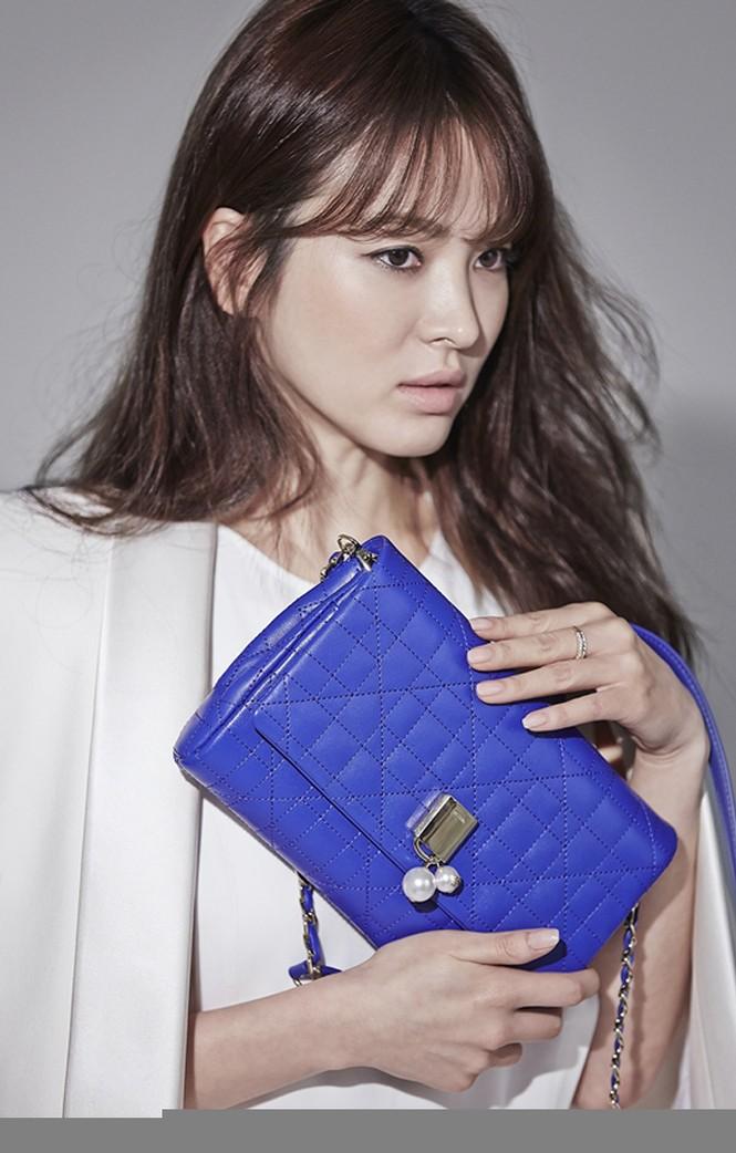 Song Hye Kyo khoe làn da sứ, nhan sắc không tì vết - ảnh 7
