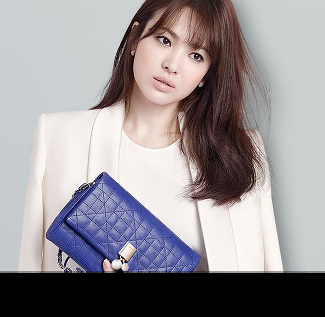 Song Hye Kyo khoe làn da sứ, nhan sắc không tì vết - ảnh 6
