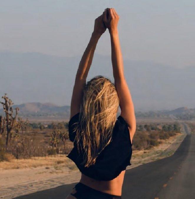 Natalie Roser, Maxim - ảnh 6