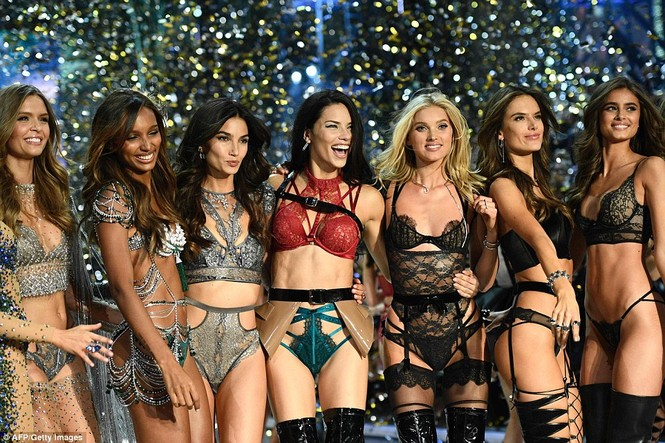 nhà thiết kế,vẻ đẹp,trình diễn,Victoria's Secret, Fantasy Bra,Eddie Borgo, Jasmine Tookes,danh tiếng,thiên thần,sàn diễn - ảnh 8