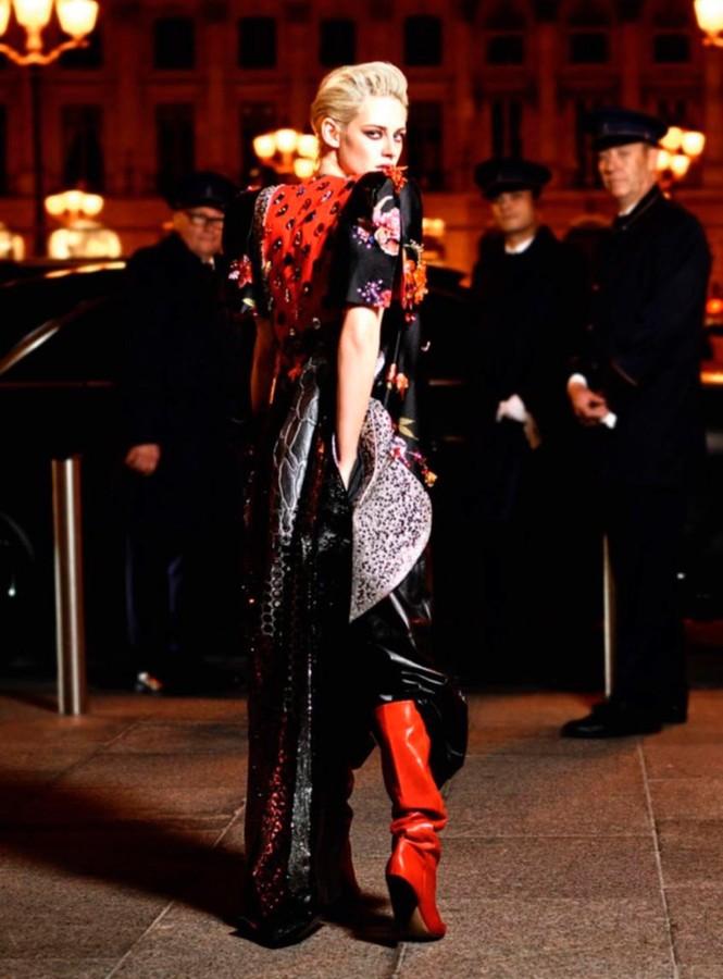 thời trang,người đẹp,bộ sưu tập,phong cách,tạp chí,Vogue,quảng cáo,cá tính, ông hoàng tóc bạc, Karl Lagerfeld, Chạng vạng, Twilight, Kristen Stewart, Chanel - ảnh 6