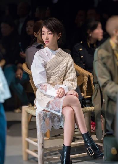 Song Hye Kyo vai trần gợi cảm tại tuần lễ thời trang London - ảnh 7
