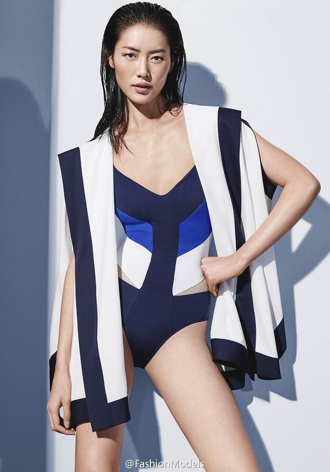Nàng mẫu gốc Hoa cuốn hút với áo tắm sành điệu - ảnh 2