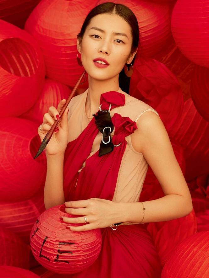 Nàng mẫu gốc Hoa cuốn hút với áo tắm sành điệu - ảnh 10