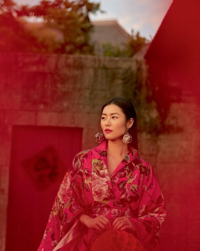 Nàng mẫu gốc Hoa cuốn hút với áo tắm sành điệu - ảnh 13