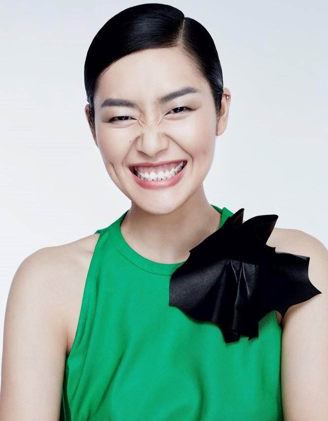 Nàng mẫu gốc Hoa cuốn hút với áo tắm sành điệu - ảnh 11