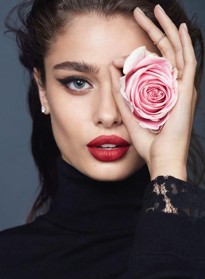 Xao xuyến sắc vóc quyến rũ của 'đóa hồng' Taylor Hill - ảnh 28
