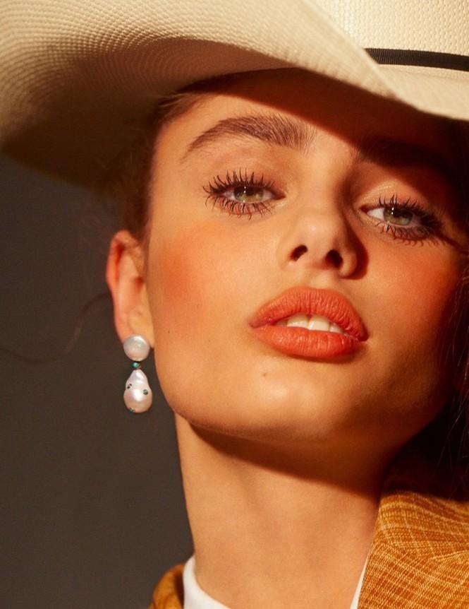 Xao xuyến sắc vóc quyến rũ của 'đóa hồng' Taylor Hill - ảnh 36