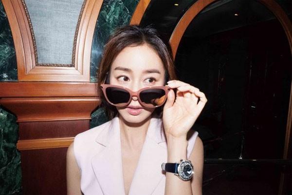 Vợ chồng Kim Tae Hee ngọt ngào tình tứ - ảnh 12