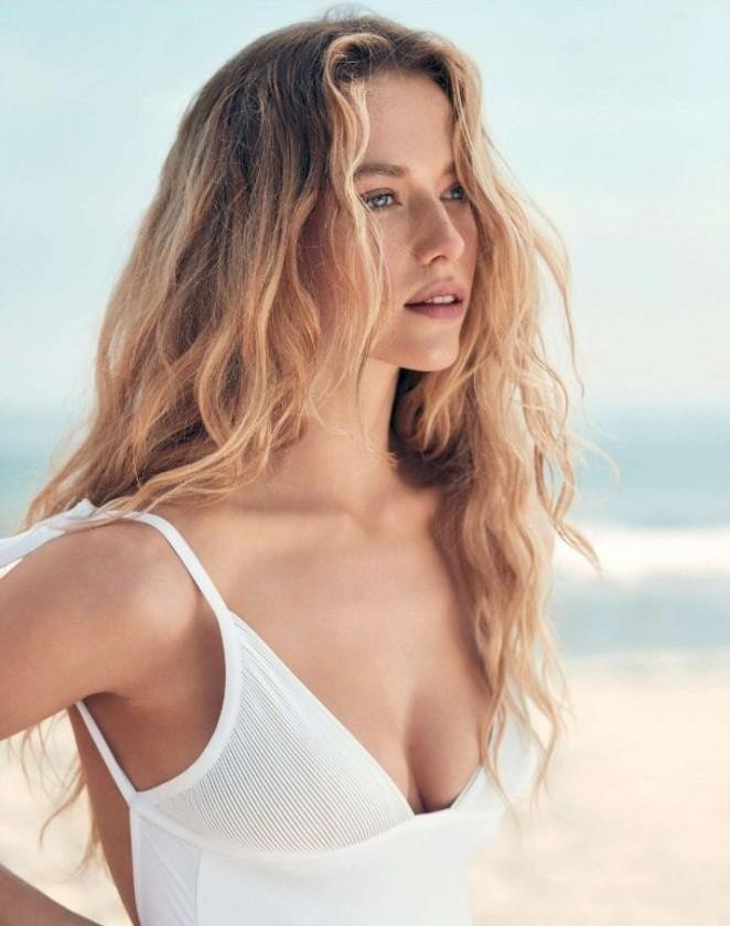 Nàng mẫu Hannah Ferguson quá đỗi gợi tình trên biển - ảnh 3