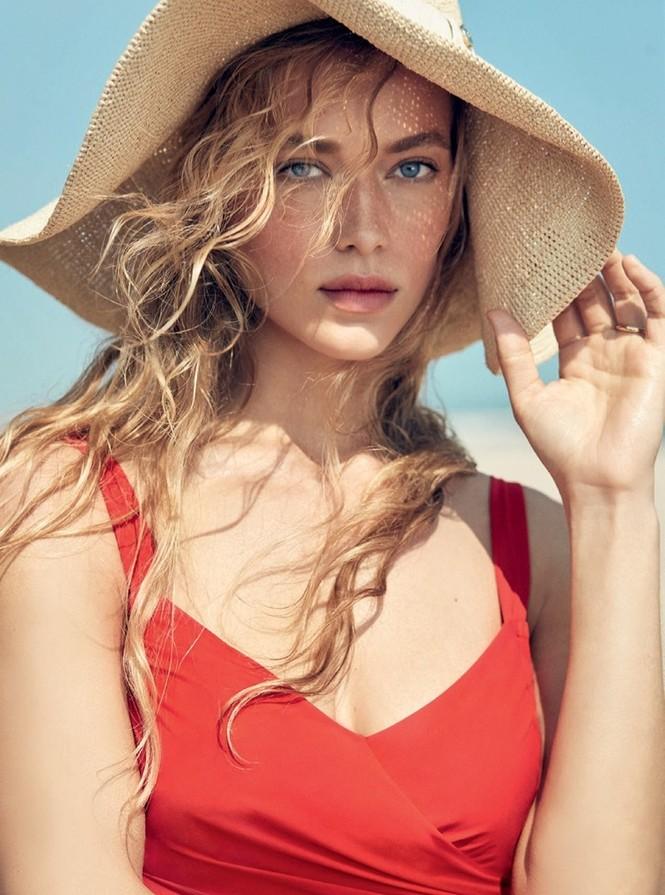 Nàng mẫu Hannah Ferguson quá đỗi gợi tình trên biển - ảnh 5