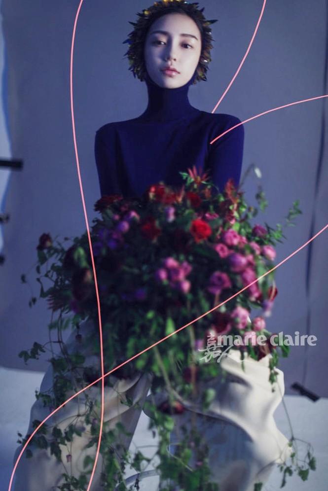 'Công chúa' Angelababy gây ấn tượng mạnh với loạt ảnh ma mị  - ảnh 3