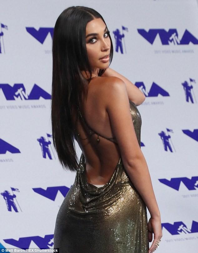 Dàn ca sĩ gợi cảm lấp lánh trong lễ trao giải âm nhạc VMAs - ảnh 19