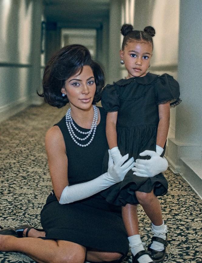 Kim Kardashian bất ngờ hóa quý cô thanh lịch quyền quý - ảnh 2