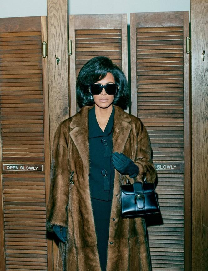 Kim Kardashian bất ngờ hóa quý cô thanh lịch quyền quý - ảnh 11