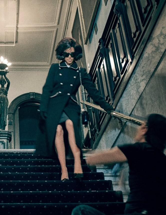 Kim Kardashian bất ngờ hóa quý cô thanh lịch quyền quý - ảnh 8