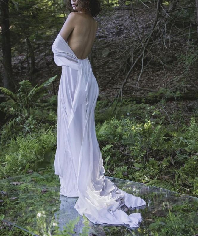'Chân dài' Bella Hadid sắc vóc quá đỗi gợi cảm - ảnh 26