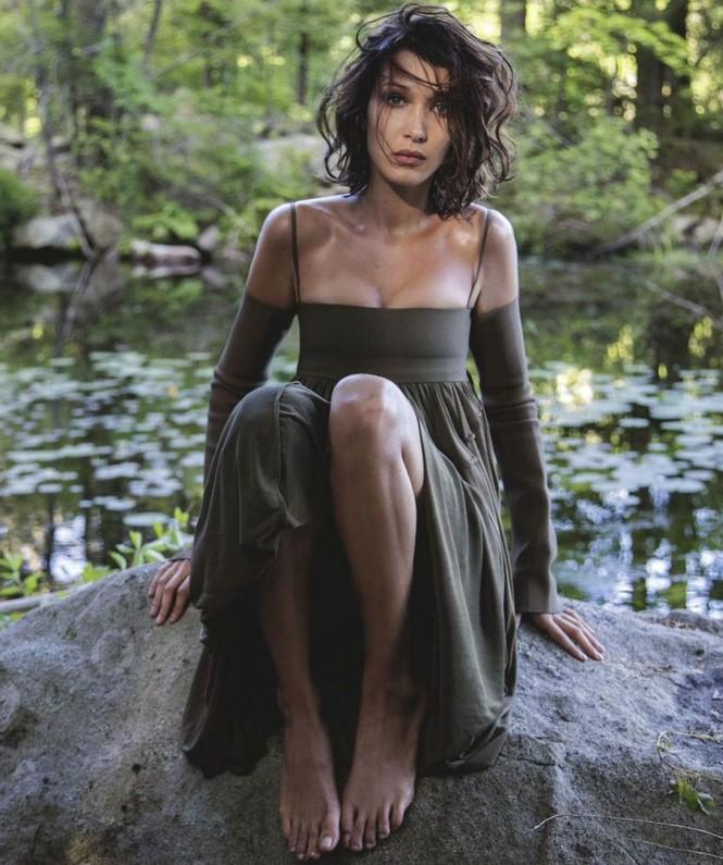 'Chân dài' Bella Hadid sắc vóc quá đỗi gợi cảm - ảnh 28