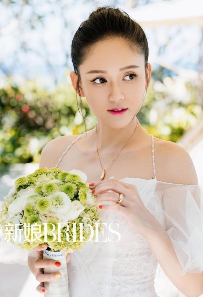 'Đông Phương Bất Bại' Trần Kiều Ân siêu quyến rũ khi làm cô dâu - ảnh 4
