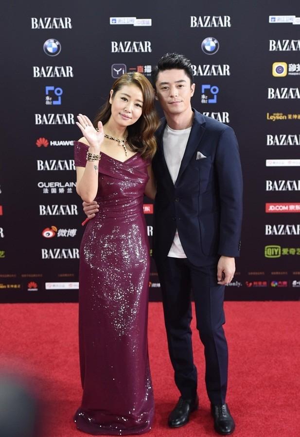 Dàn mỹ nhân Hoa ngữ rực rỡ, vợ chồng Lâm Tâm Như ôm eo tình tứ - ảnh 7