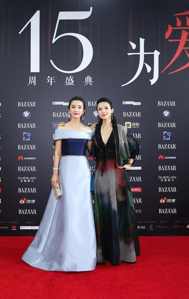 Dàn mỹ nhân Hoa ngữ rực rỡ, vợ chồng Lâm Tâm Như ôm eo tình tứ - ảnh 3