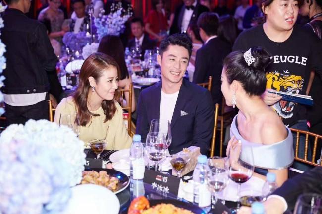 Dàn mỹ nhân Hoa ngữ rực rỡ, vợ chồng Lâm Tâm Như ôm eo tình tứ - ảnh 11